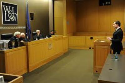 Roddy Flynn '12L argues in the 2011 Davis Moot Court Competition